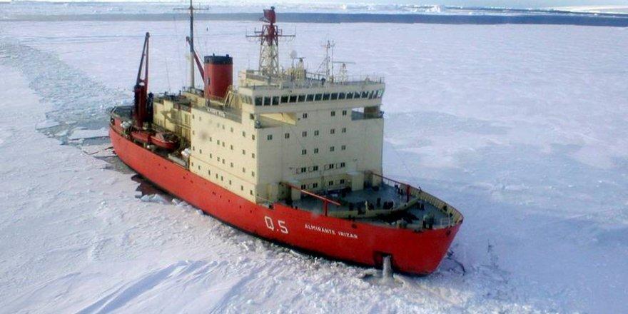 ABD'li bilim insanları buzkıran gemisi kurtardı