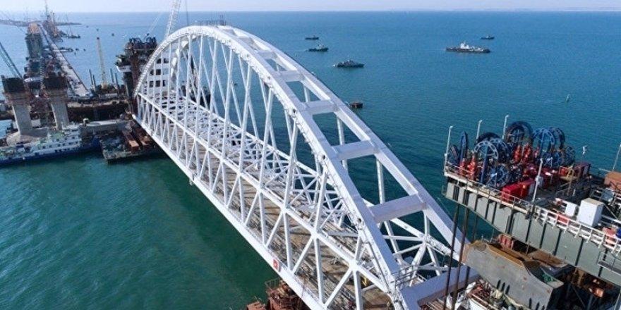 Kerç köprüsünü askeri dalgıçlar koruyacak iddiası