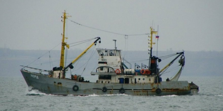Azak Denizi'nde Rus bayraklı balıkçı teknesi yakalandı