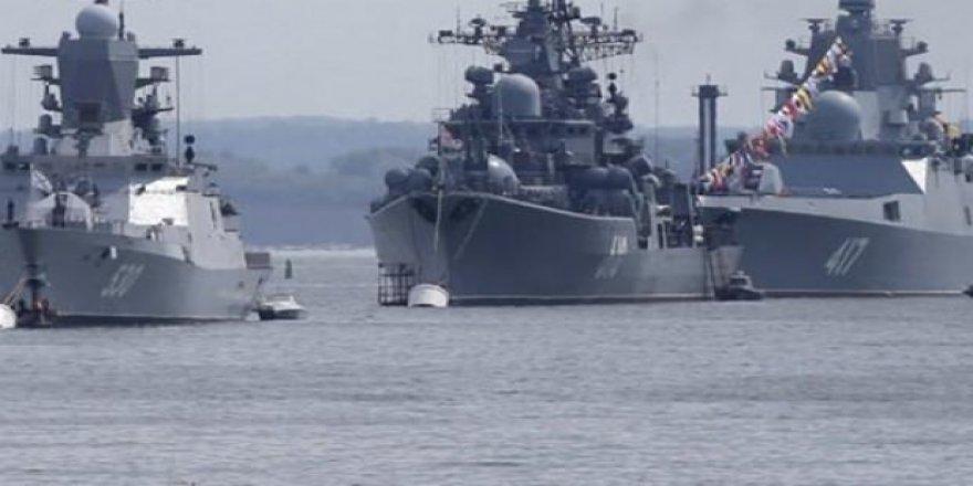 Rus Donanması Suriye kıyılarında tatbikata başladı