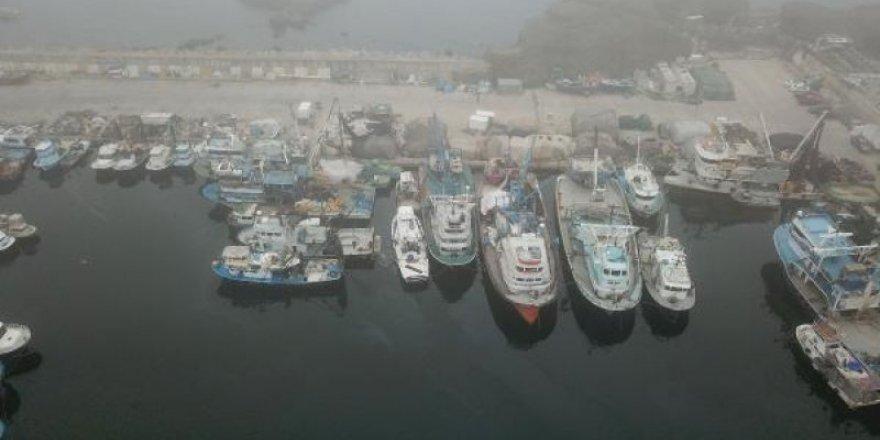 İstanbul Boğazı'nda sis gemiler için kabus oldu