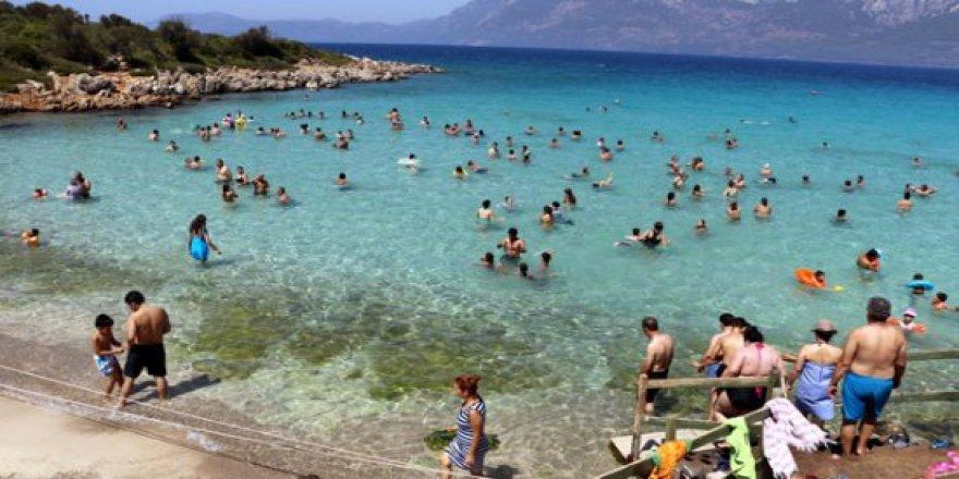 Kleopatra plajı her yıl 2 milyonu aşkın turist çekiyor