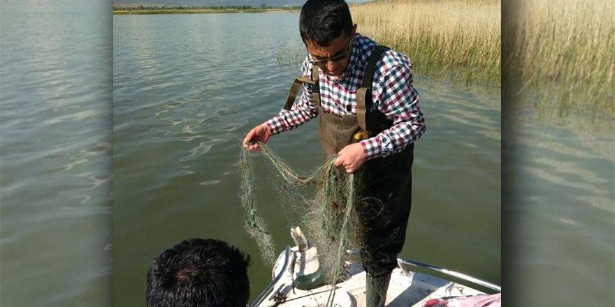 Eğirdir Gölü'nde, 800 metrelik uzatma ağ denetime takıldı