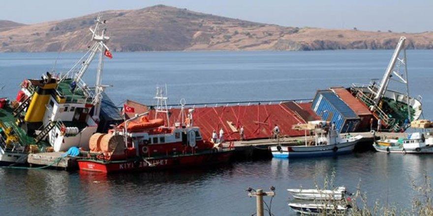 Erdek'te batan geminin ön kısmı su yüzüne çıkarıldı
