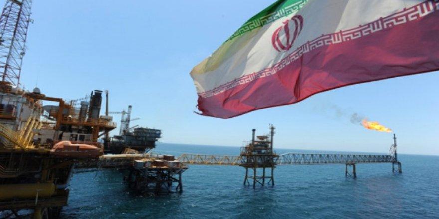 İran Basra Körfezi'nde yeni petrol yatağı buldu