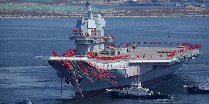 Çin'in uçak gemisi Pasifik Okyanusu'na açıldı