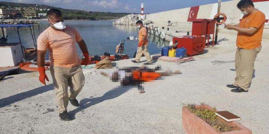 Sahile 4 göçmen cesedi vurdu