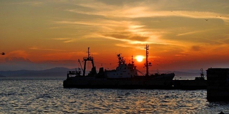 Ukrayna, Rus gemisine el koydu
