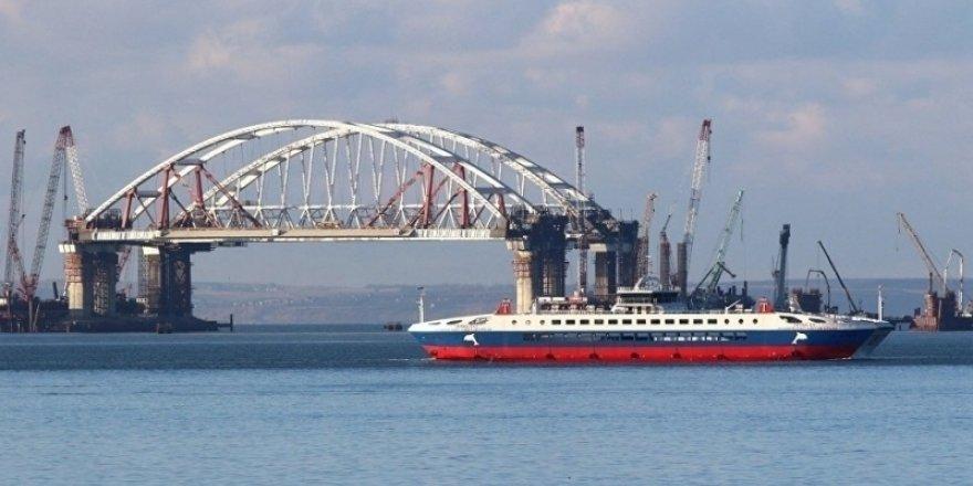 Azak Denizi'ne büyük gemiler giremeyecek