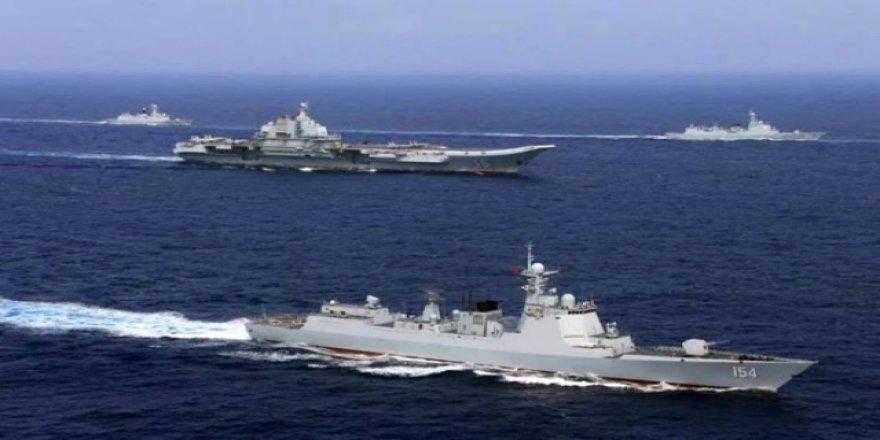 Çin ve ABD savaş gemileri karşı karşıya