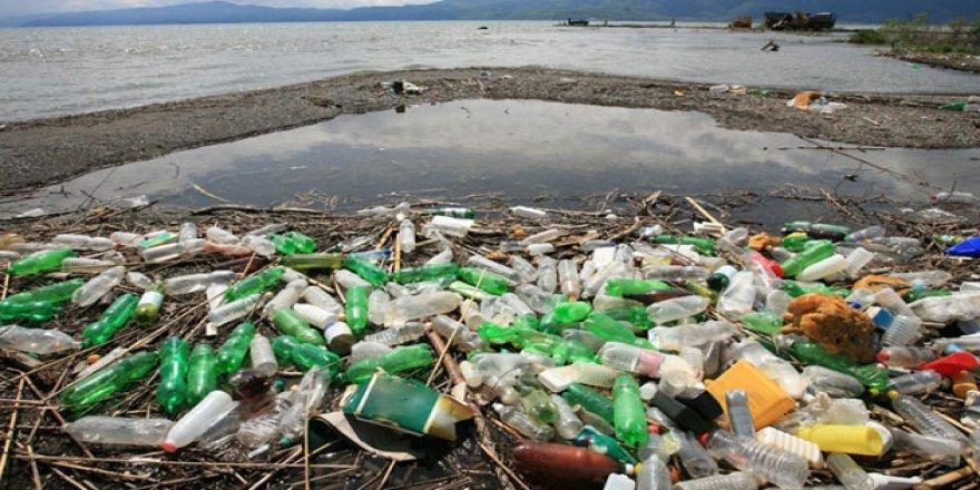 Akdeniz kıyıları plastik atık esaretinde!