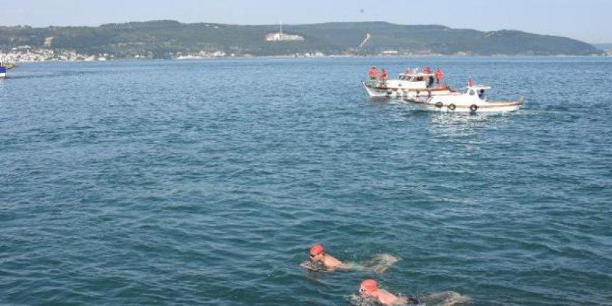 Çanakkale Boğazı'nı yüzerek geçtiler