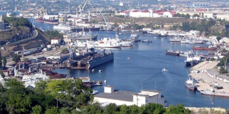Kırım'daki limanlara yaptırım darbesi
