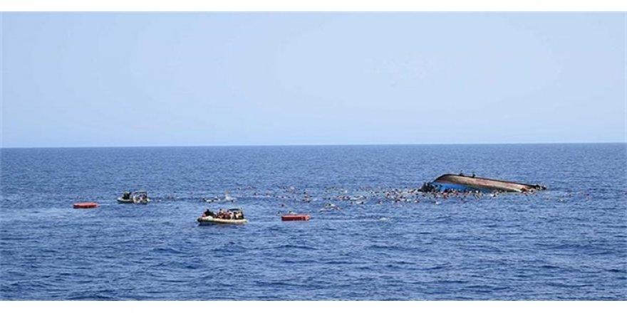 Göçmenleri taşıyan tekne battı! Onlarca ölü...