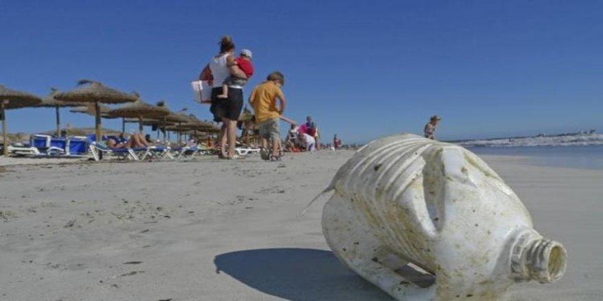 Akdeniz'e Türkiye'den günde 144 ton plastik atılıyor