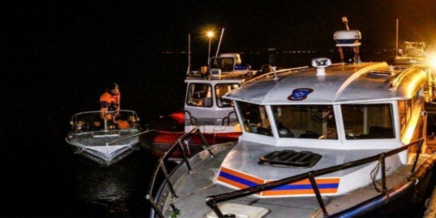 Gezi teknesi ile katamaran çarpıştı: 11 ölü
