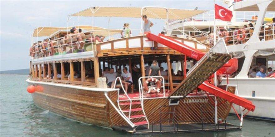 Ayvalık'ta tekne turlarına ilgi büyük