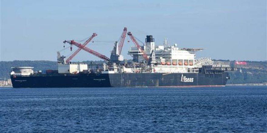 Dev gemi, ikinci kez Çanakkale Boğazı'ndan geçti