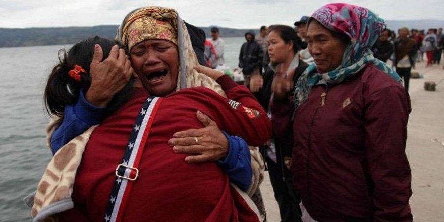 Yolcu teknesi alabora oldu: 128 kişi kayıp