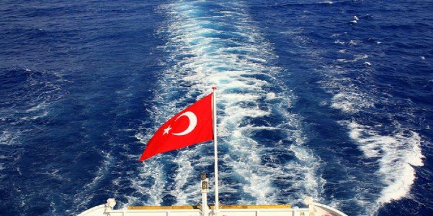 Türk Bayrağı, Beyaz Liste'de dalgalanıyor