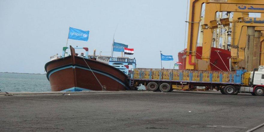 Hudeyde Limanı'nda gemi geçişi sürüyor