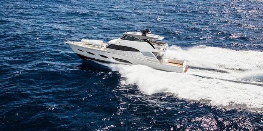 Riviera yeni teknesini suya indirdi
