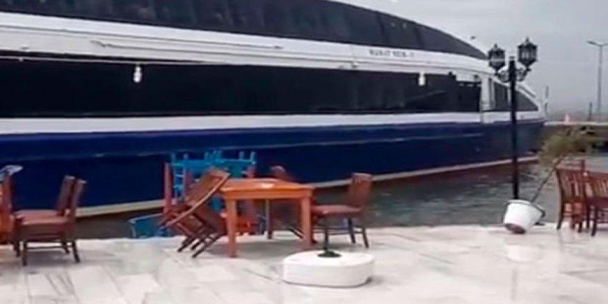 Avşa'da fırtınada deniz otobüsü karaya oturdu