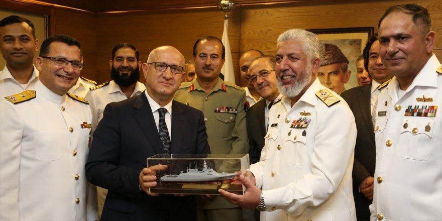 Pakistan korvet ihalesini Türkiye kazandı