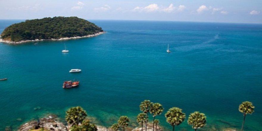 Phuket adasında facia! İki turist teknesi battı