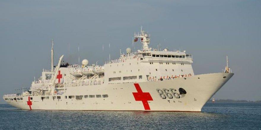 """Ark Peace"" Papua Yeni Gine'ye demir attı"
