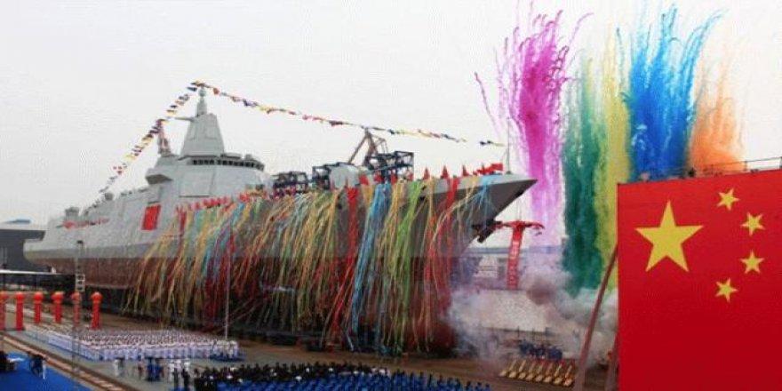 Çin donanması güç gösterisi yaptı