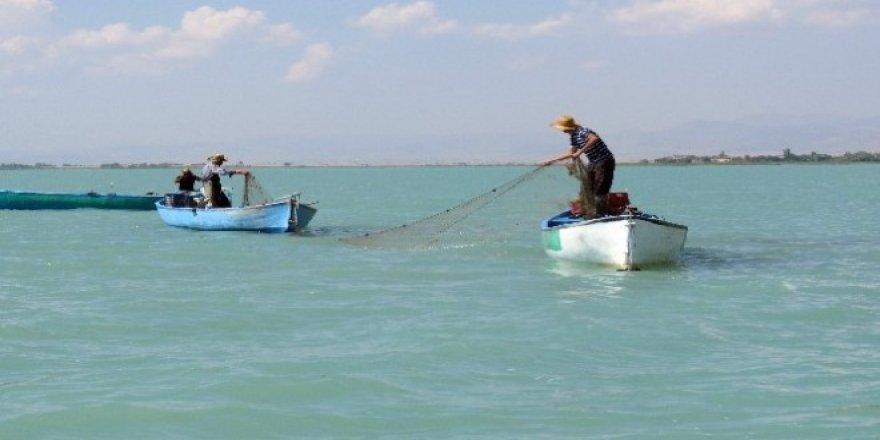 Beyşehir Gölü'nde yasak ağ operasyonu