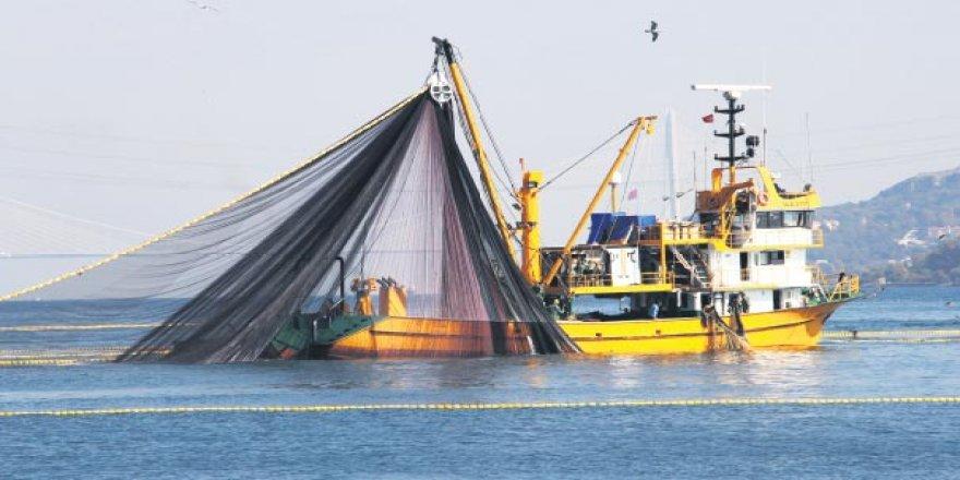 AB bayraklı 128 gemi Fas'ta balık avlayacak