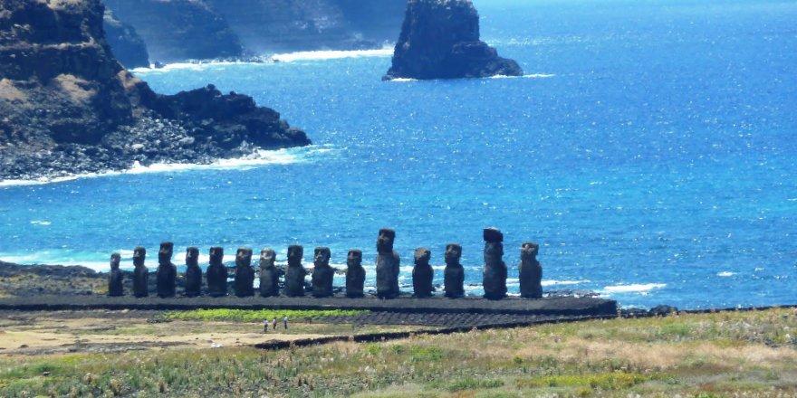 Yabancı turistler Paskalya Adası'na giremeyecek