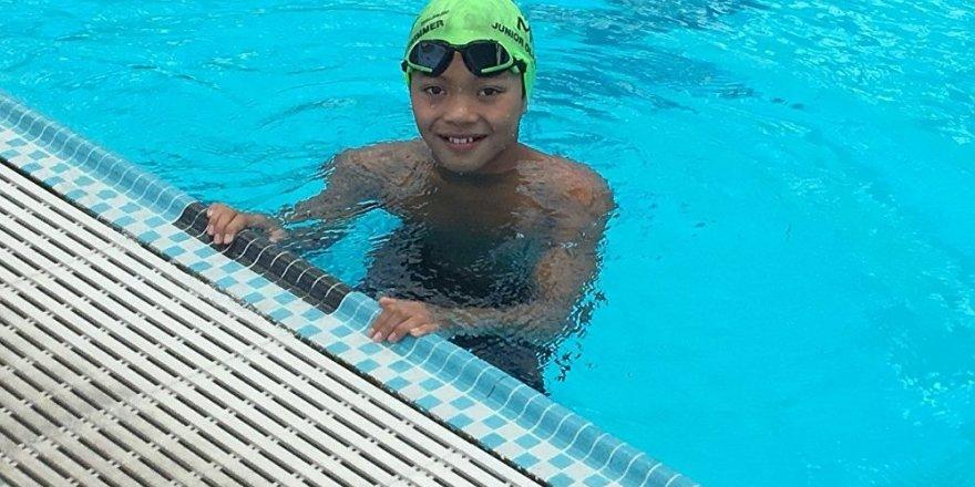 10 yaşındaki 'Süpermen', Phelps'i geçti