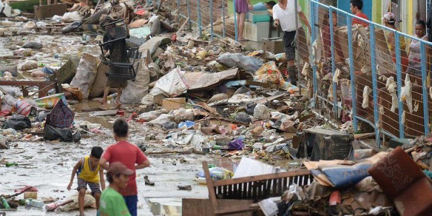 Yagi tayfunu Çin'i tarumar etti