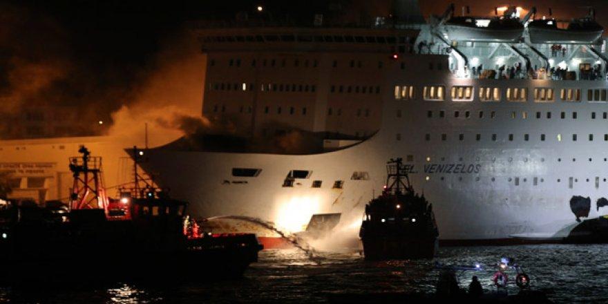 Girit'e giden feribotta yangın