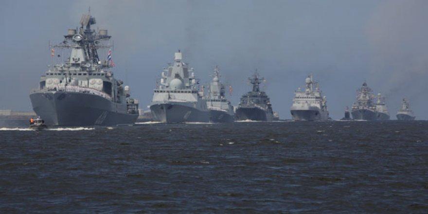 Rusya Akdeniz'e 16 savaş gemisi gönderdi