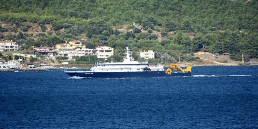 Rus kurtarma gemisi, Çanakkale Boğazı'ndan geçti