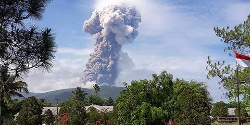 Endonezya'da felaket üstüne felaket