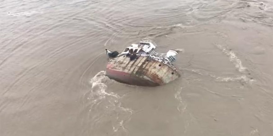 Batan gemidekilerin yardımına Türk denizciler koştu