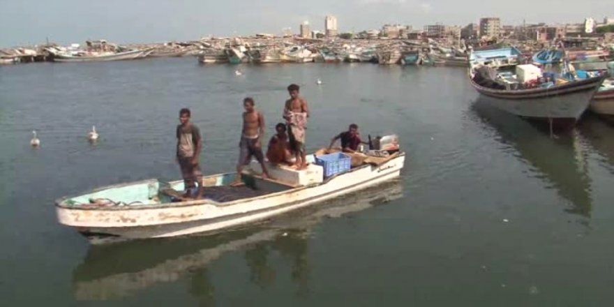 BAE gemisi Yemenli balıkçıları alıkoydu