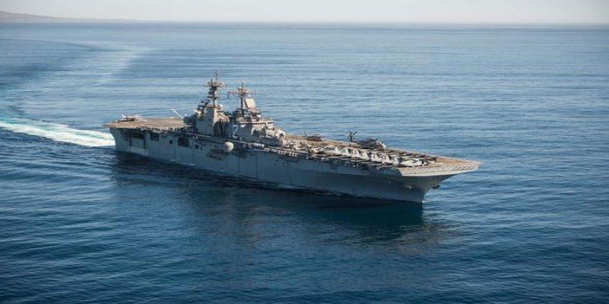 ABD uçak gemisi Katar'a demir attı