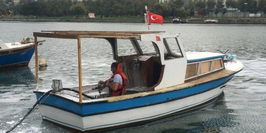 Eyüpsultan'ta balıkçı teknesi yandı