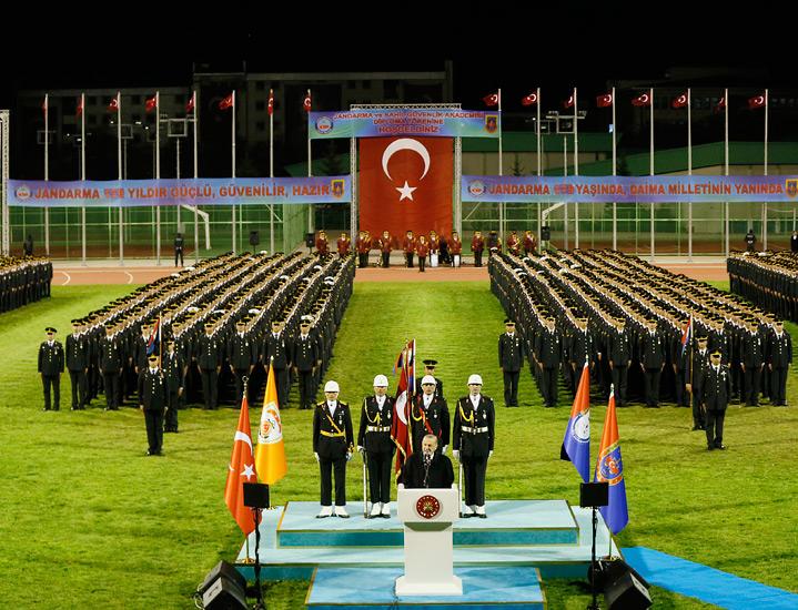 Cumhurbaşkanı Erdoğan, JSGA'da Mezuniyet törenine katıldı