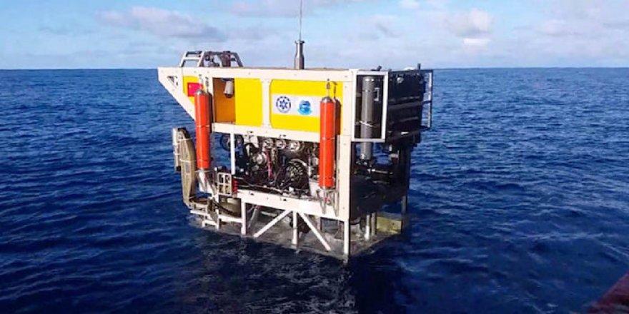 6 bin metreye dalan sualtı robotu
