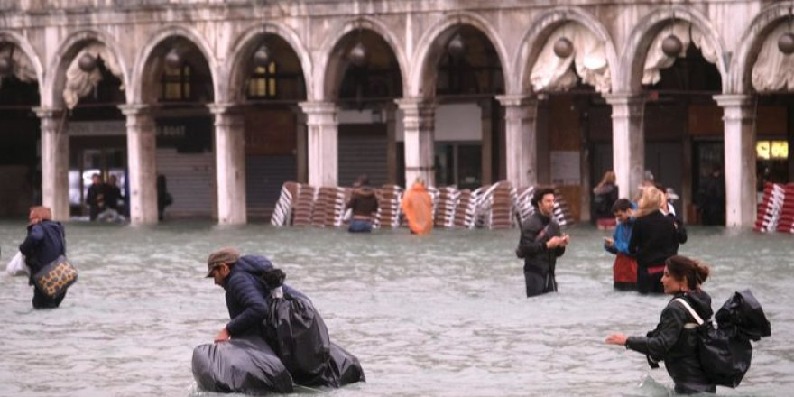 Venedik sele teslim oldu