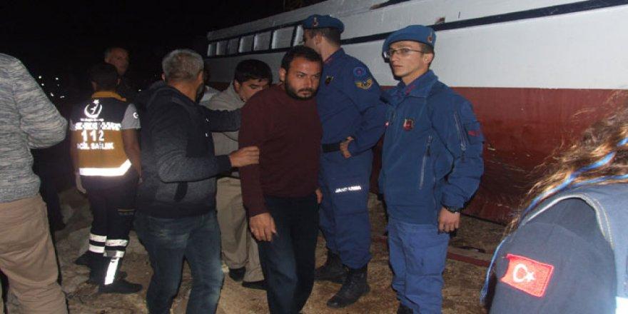Erdemli'de göçmenleri taşıyan tekne battı