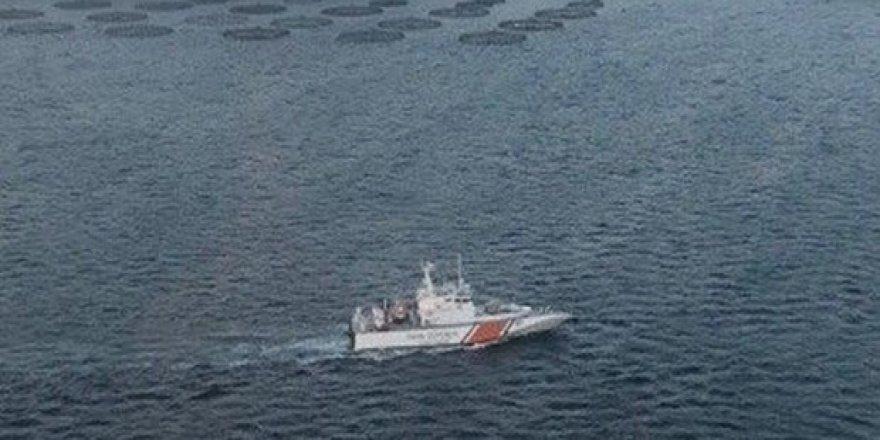Dikili'de göçmen teknesi battı; 10 kayıp