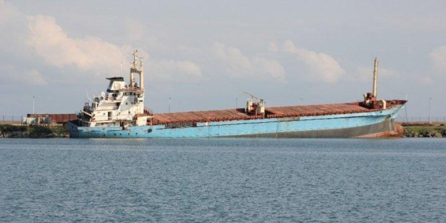 Karaya oturan gemi söküme gönderilecek